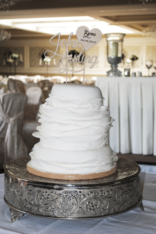 Elegant all white wedding cake 2 | Deborah's Designer Cakeis